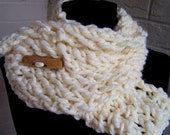 Chunky Knit Scarf  Ecru Cream With Button