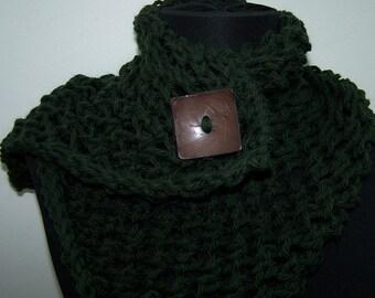 Knit Button Scarf, Green Knit Neckwarmer, Wool Button Scarf in Forest Green, back to school, Knit Short Scarf, Dark Green, Fall Trends