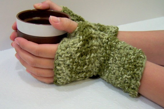 Chunky Knit Merino Wool Fingerless Mittens Olive Green