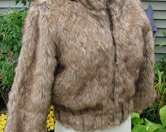 1970s short fur jacket zipper front coat wrap cape
