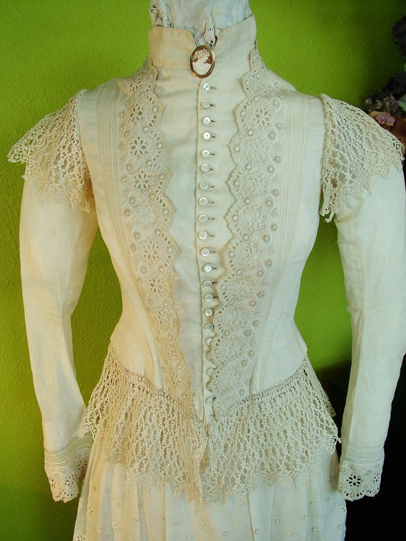 1880s -1890s Ivory Lace Bustle Dress