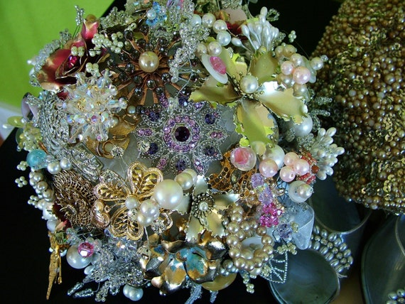 Handmade Bridal Bouquet with 100 Vintage Brooches Pearls Crystals Rhinestones Flowers