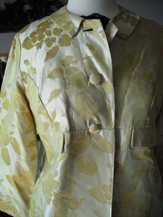 Vintage 1960s jackie 0 pale yellow gold brocade cocktail coat