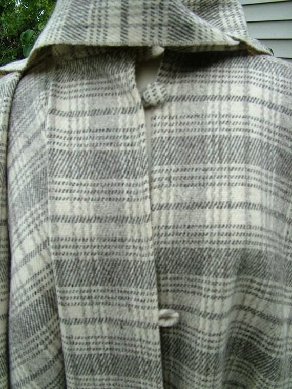 1970s wool plaid cape scarf closure fringe bottom gorgeous