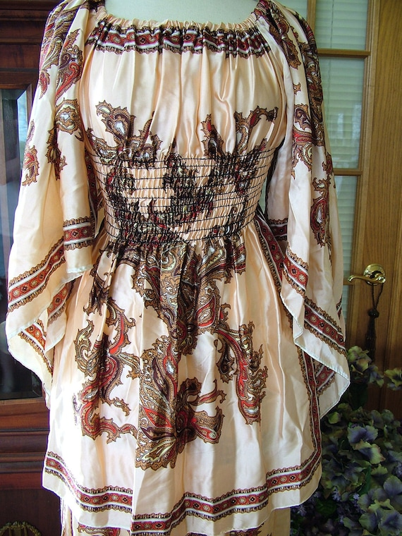 1970s Hippie boho chic scarf blouse and skirt with dragon design shirt