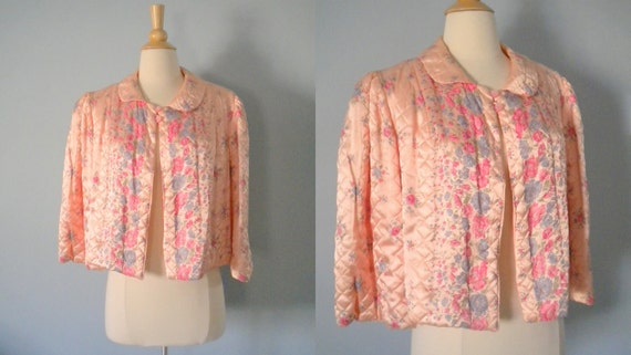 1930s bed jacket / 30s boudoir jacket / Quilted  Floral