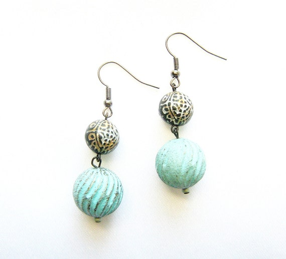 Mint Bubble earrings - RESERVED - fluted green patina beads, etched round black gold lucite beads