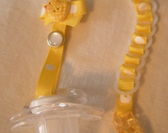 Baby Chain SOOTHER-Willow Yellow