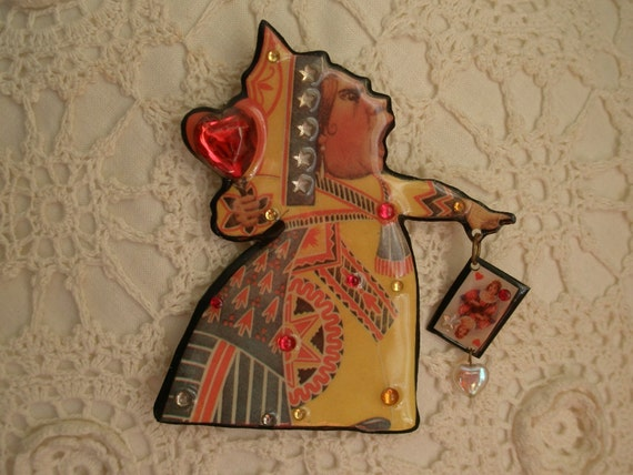 FUNKY QUEEN OF HEARTS PIN