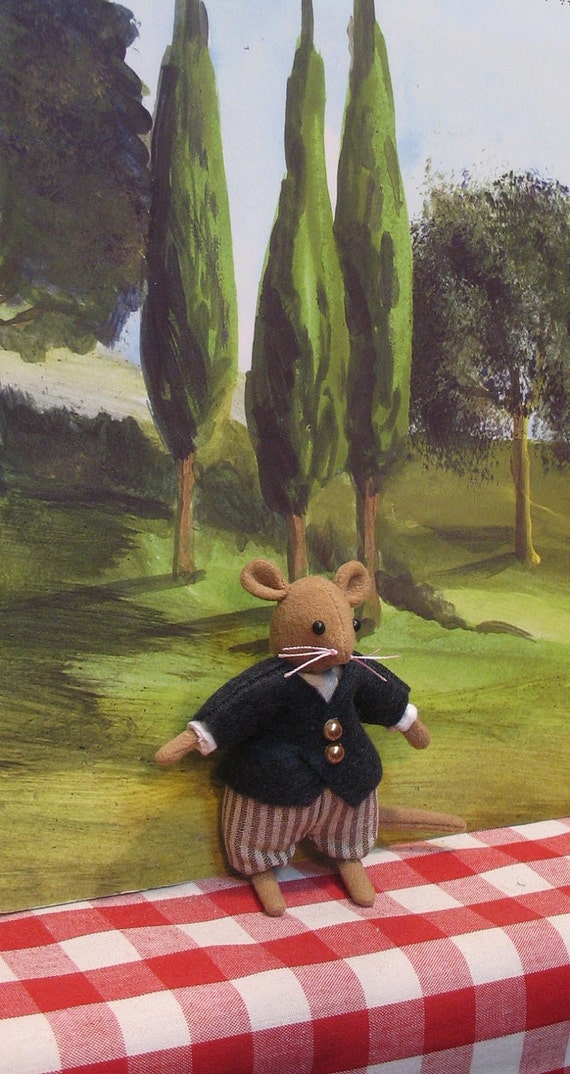 Jeremy  dollhouse miniature dressed mouse boy for one inch scale or 1/12th scale     Gorgeous miniature mouse for your dollhouse