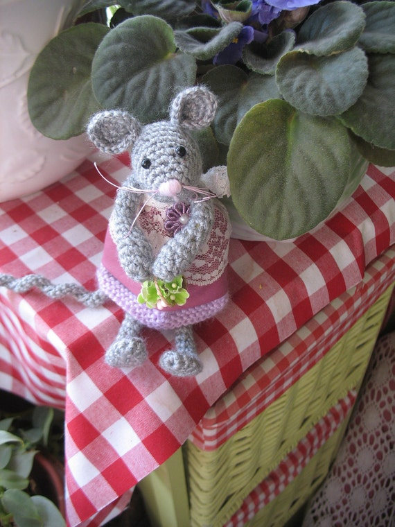 FIFFY  Handmade crocheted darling mouse