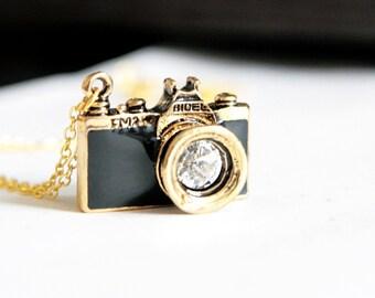 Go Shooting - Black Camera Necklace (N146)