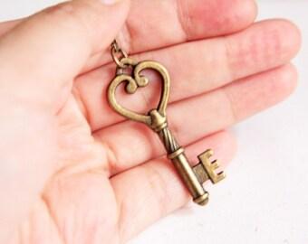Lock it up - Vintage Brass Color Key Necklace