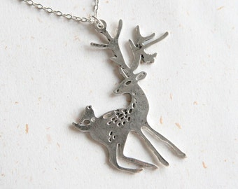 Fallow Deer Necklace (N301) in silver color