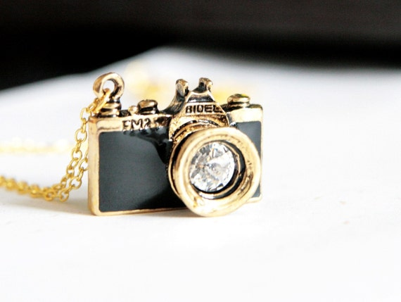 Go Shooting - Black Camera Necklace (N146)