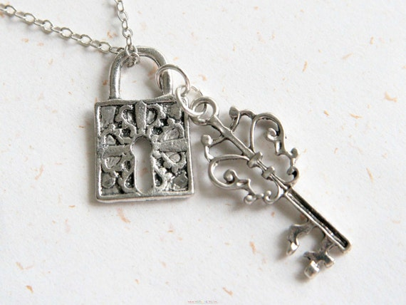 Open the Lock of Love - Lock and Key Necklace in Vintage silver color(N255)