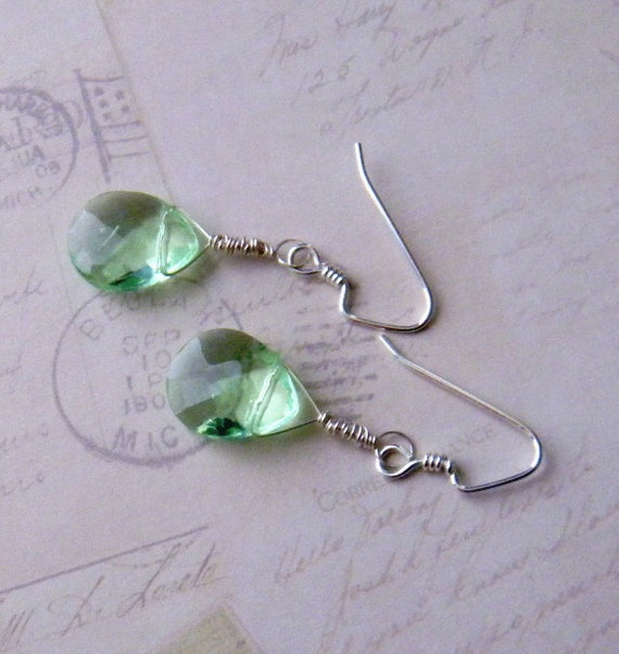 Green Glass Dangle Earrings Teardrop Briolette Spring Green St Patricks Day Womens Fashion