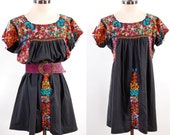 Vintage 70s black Mexican embroidered floral dress / Oaxacan / Hippie boho mini