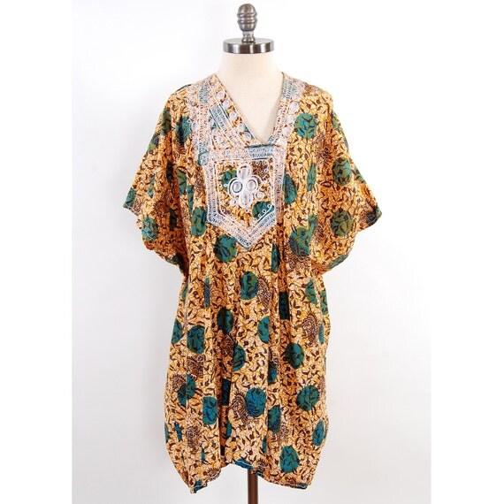 Vintage 70s AFRICAN batik cotton caftan dress / Bohemian mini