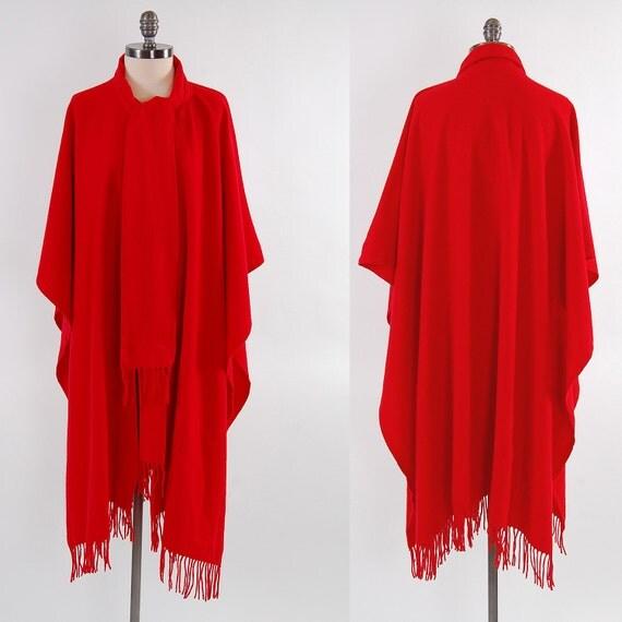 SALE Vintage 70s RED wool boho shawl poncho / Scarf neck / Fringed
