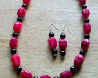 Sterling Silver, Hot Pink and Black Agate Gemstone Necklace and Earrings,Statement Necklace, Semi Precious Gemstone, Sterling Silver
