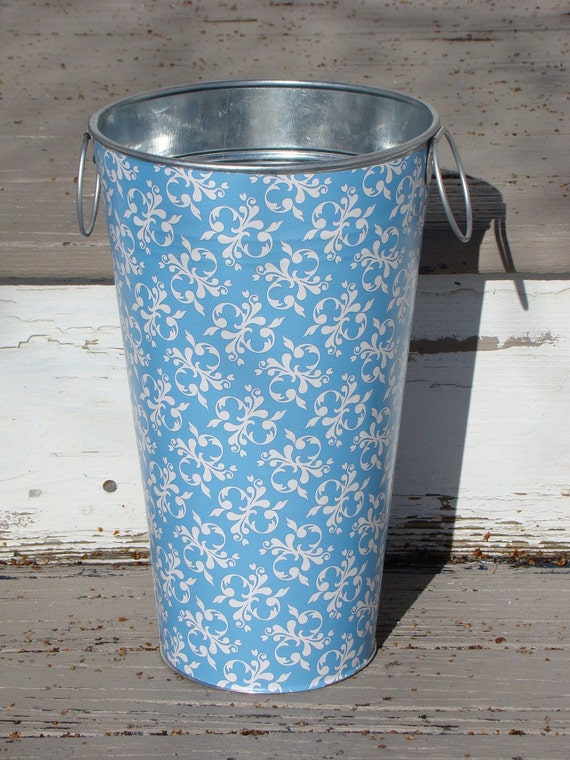Blue french flower bucket galvanized metal vase ready to for Large galvanized buckets for flowers