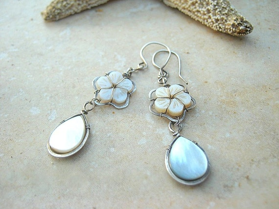 Mother of pearl earrings in sterling silver