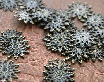 15 pieces Antique Bronze Filigree Starburst Findings/Charms - Cabochon Base/Connector - 20mm - Nickel Free