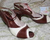 Vintage Brown and off white ankle strap open peep toe short pumps heels