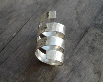 handmade ancient greek  sterling silver spinning around  armor ring