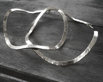 silver hoop earrings hammered extra large hoop earrings,large silver hoop earrings, circle silver earrings, wavy earrings