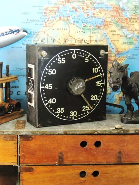 30% Off ENTIRE Shop - Vintage Darkroom Timer - Classic Vintage