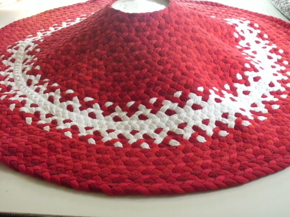 "red and white 36""braided christmas tree skirt"