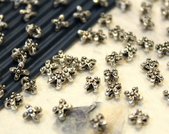 whole shop now with prices 50% off - 20 pcs - Antique Silver  - Cross Patterned Spacer Beads - 5.5 x 5mm
