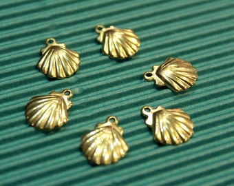 6 pcs - antiqued brass shell charms findings - 11 x 13mm