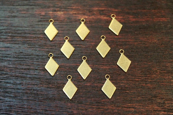 10 pcs - antiqued raw brass diamond charms findings - 7 x 12mm (tiny pieces)