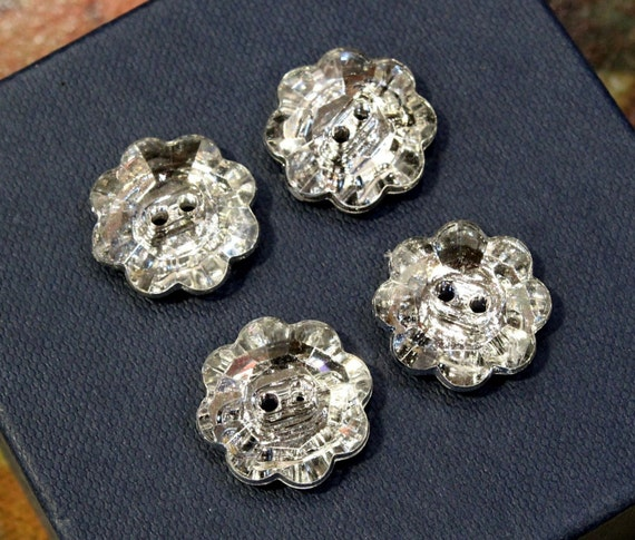 4 pcs - Bling Bling Flower Shaped Buttons with Crystal Shine - Dazzling - 18mm