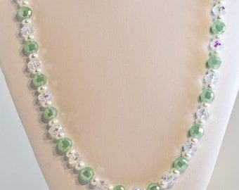 Crystal and Pearl Necklace - Green Crystal Necklace - Pearl Necklace - Swarovski Necklace -Cultured Pearl Jewelry - Bridal Necklace
