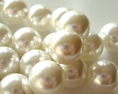 Shell Pearl Beads 10mm Lustrous Snow White Smooth Round - 8 Pieces