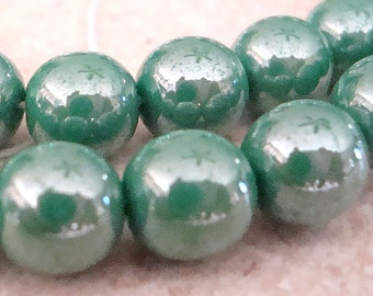 Czech Glass Beads 8mm Tea Green Polished Smooth Rounds - 10 Pieces