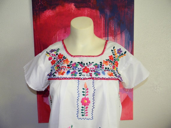 Vintage Embroidered Mexican Top Size Small
