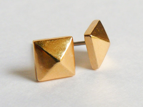 pyramid studs earrings gold pyramid stud earrings studded rock studs faceted 1491