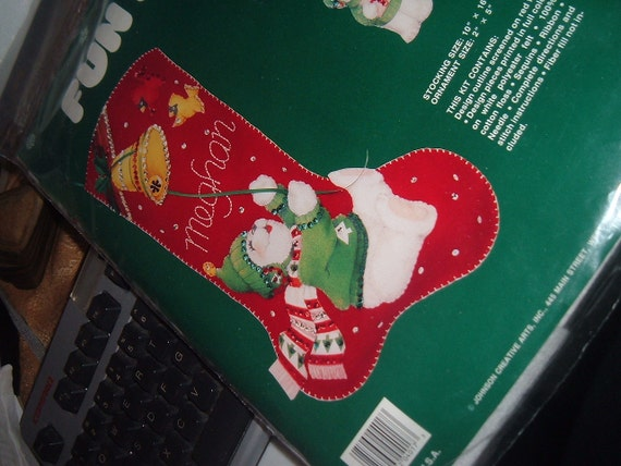 Vintage Needle Treasures Christmas Stocking Fun Felt Kit White Bear with Bell Sequin Craft