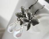 silver flowers with clear petals - earrings - romantic wedding spring floreal leaf leaves