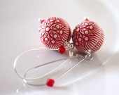 red flowers earrings - xmas inspiration - resin vintage - red and silver