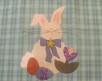 Mr. Cottontail Applique PDF Pattern for Tea Towel or Quilt Square From Quilt Doodle Designs