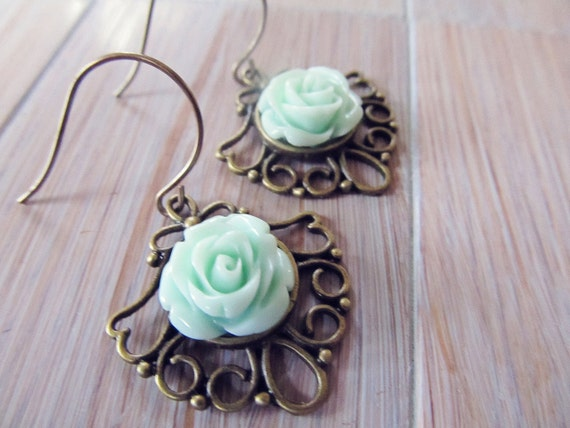 Mint green floral earrings / Dangle earrings in vintage style