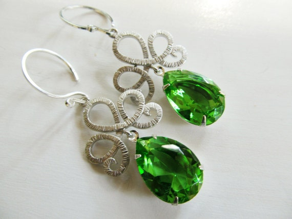 Peridot crystal tear drop earrings with textured silver crowns