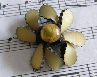 Vintage 1930's celluloid and lucite ribbon brooch