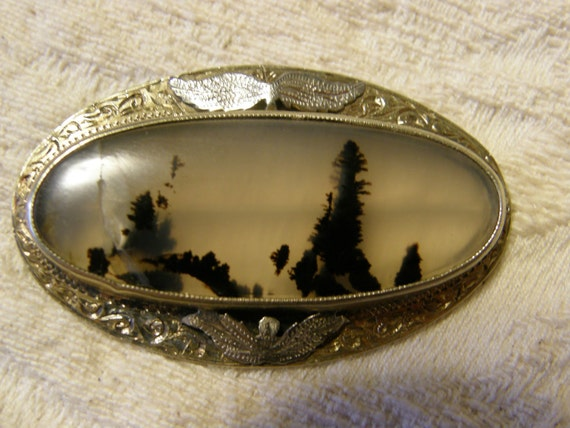 Antique moss agate brooch for repair